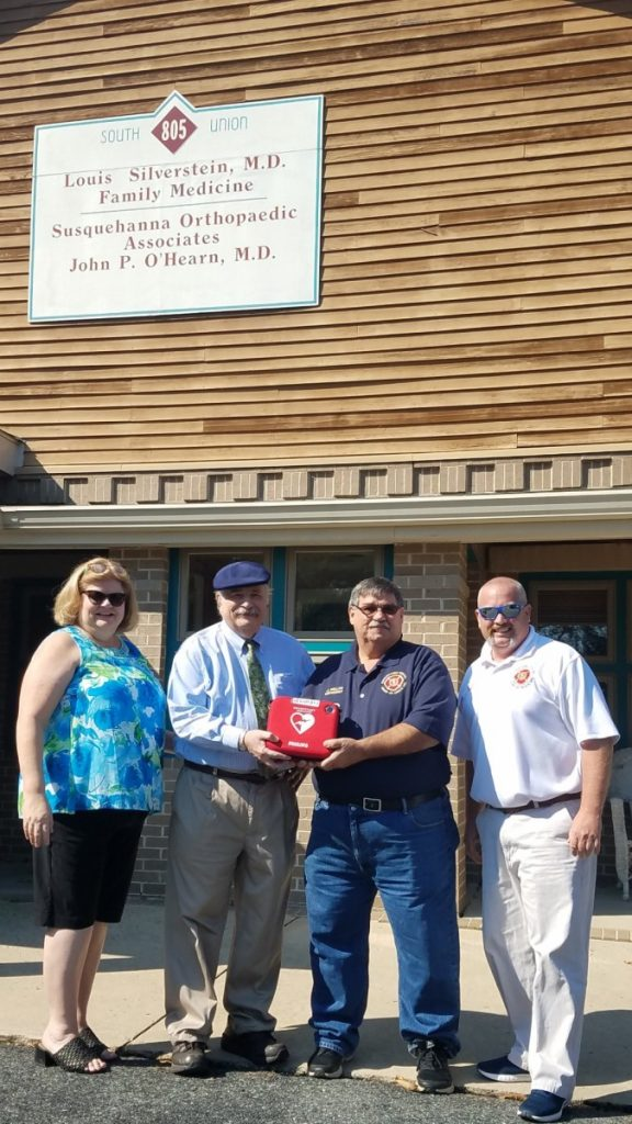 SHCo DONATES AED TO HDG FAMILY PRACTICE